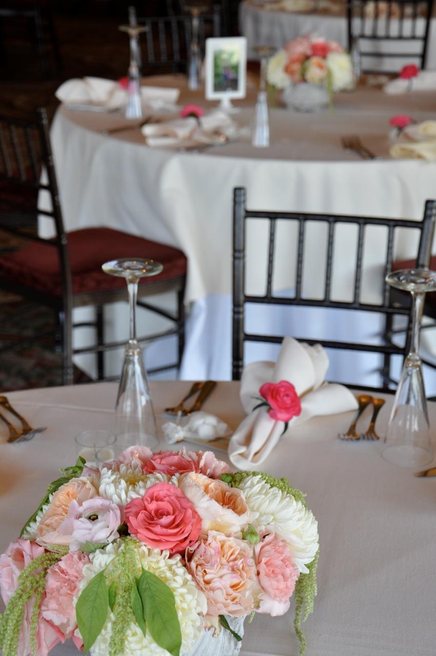 Dahlia flower class wedding florist checklist new boutonnire reception flowers izmirmasajfo Image collections