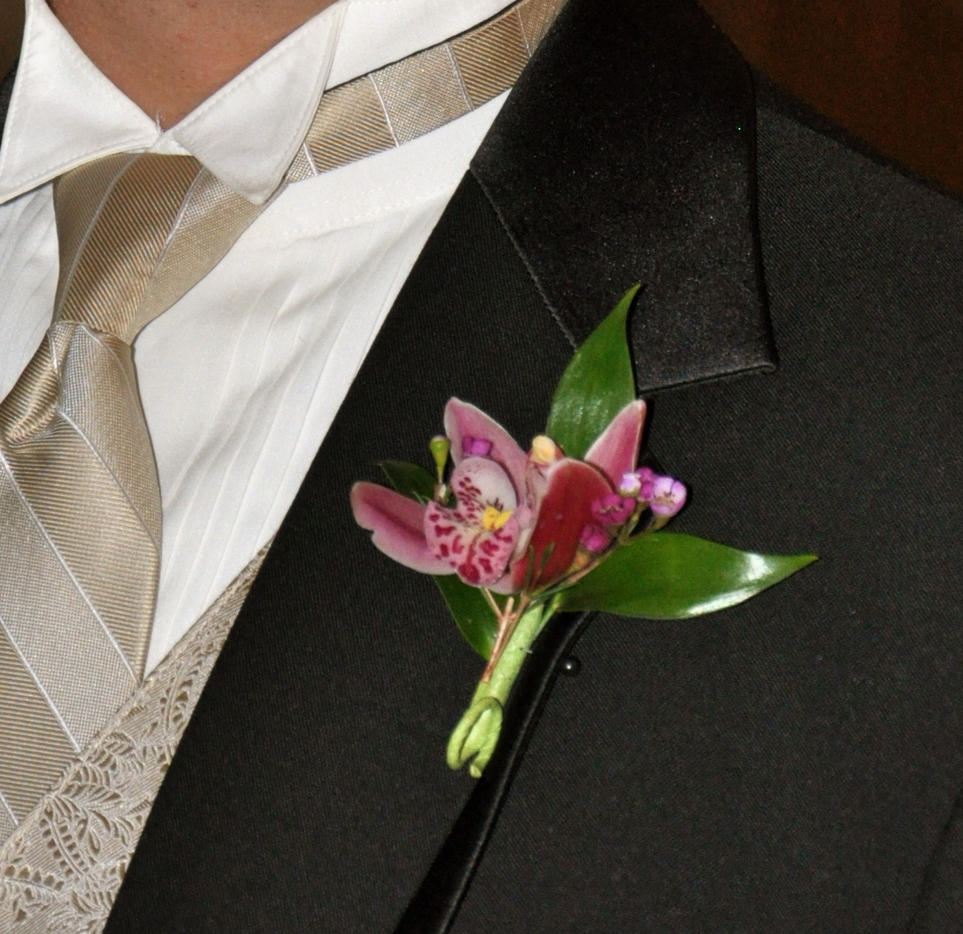 Best Boutonniere Flowers Groom Boutonnieres