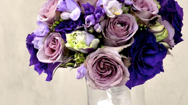http://flowerduet.com/wordpress/wp-content/uploads/2014/07/bouquet-purple-lavender-roses-628x353.jpg