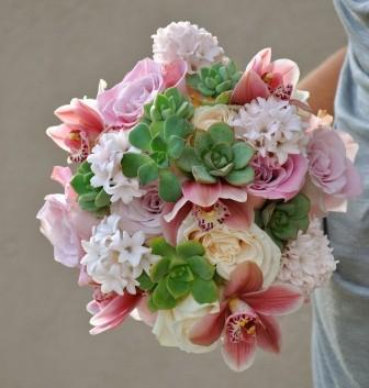 http://flowerduet.com/wordpress/wp-content/uploads/2014/07/flowerduet-hyacinth-bouquet-336x353.jpg