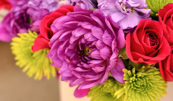http://flowerduet.com/wordpress/wp-content/uploads/2014/07/friendship-day-promo-600x353.jpg