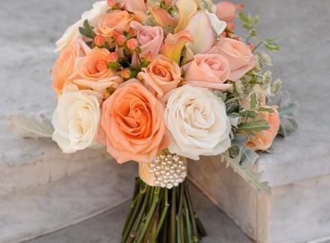 http://flowerduet.com/wordpress/wp-content/uploads/2014/07/peach-bouquet-480x353.jpg
