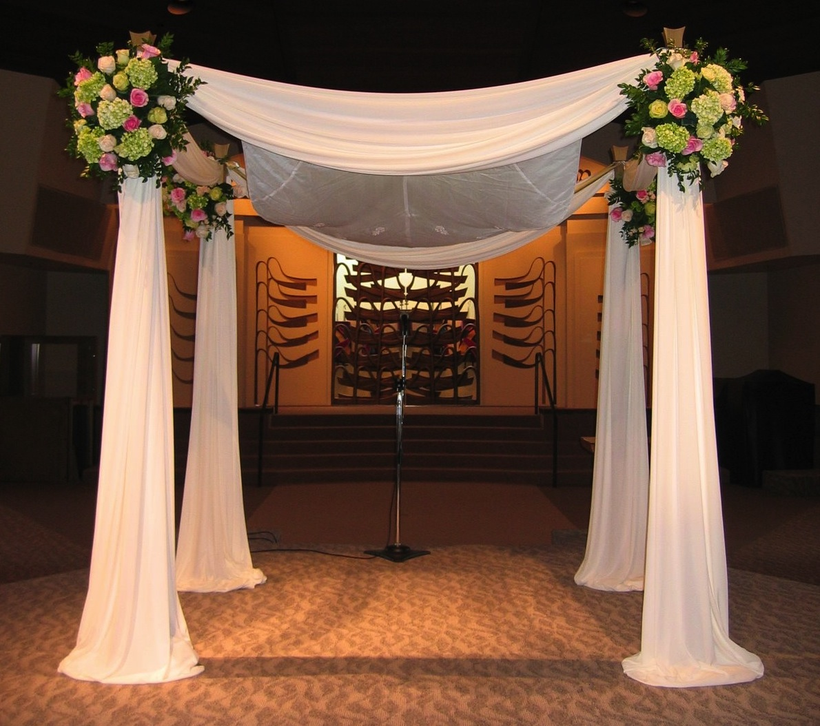 Traditional chuppah floral design for Arch decoration supplies