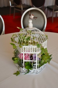 Flower birdcage pink.
