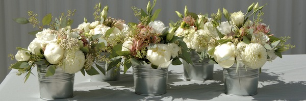 flowerduet.com-blushing-bride-protea-small-cocktails