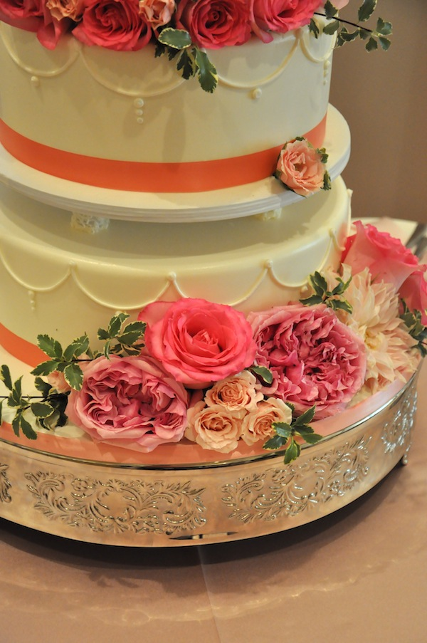 flowerduet.com-pink-wedding-cake-flowers