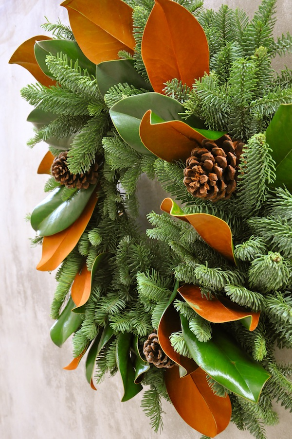flower-duet-christmas-wreath-design-evergreen-with-magnolia-leaves