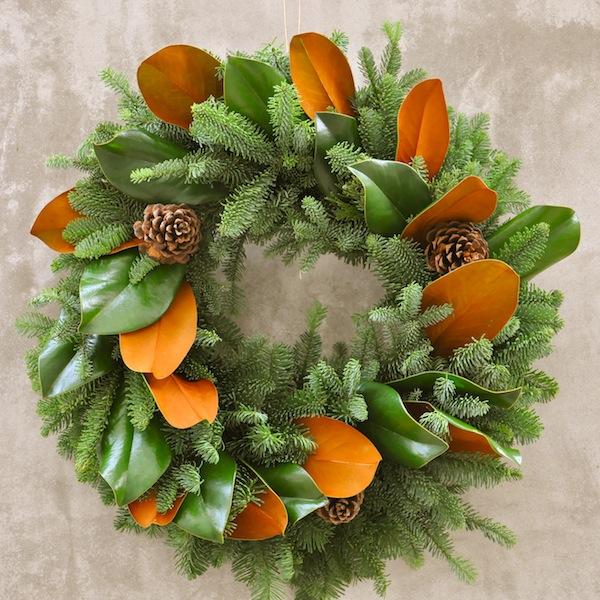 flower-duet-christmas-wreath-design-magnolia-evergreen
