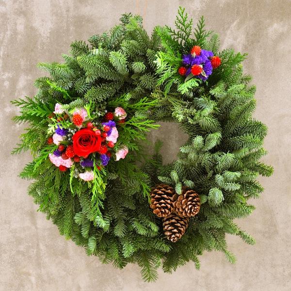 flower-duet-christmas-wreath-design-red-purple-flowers