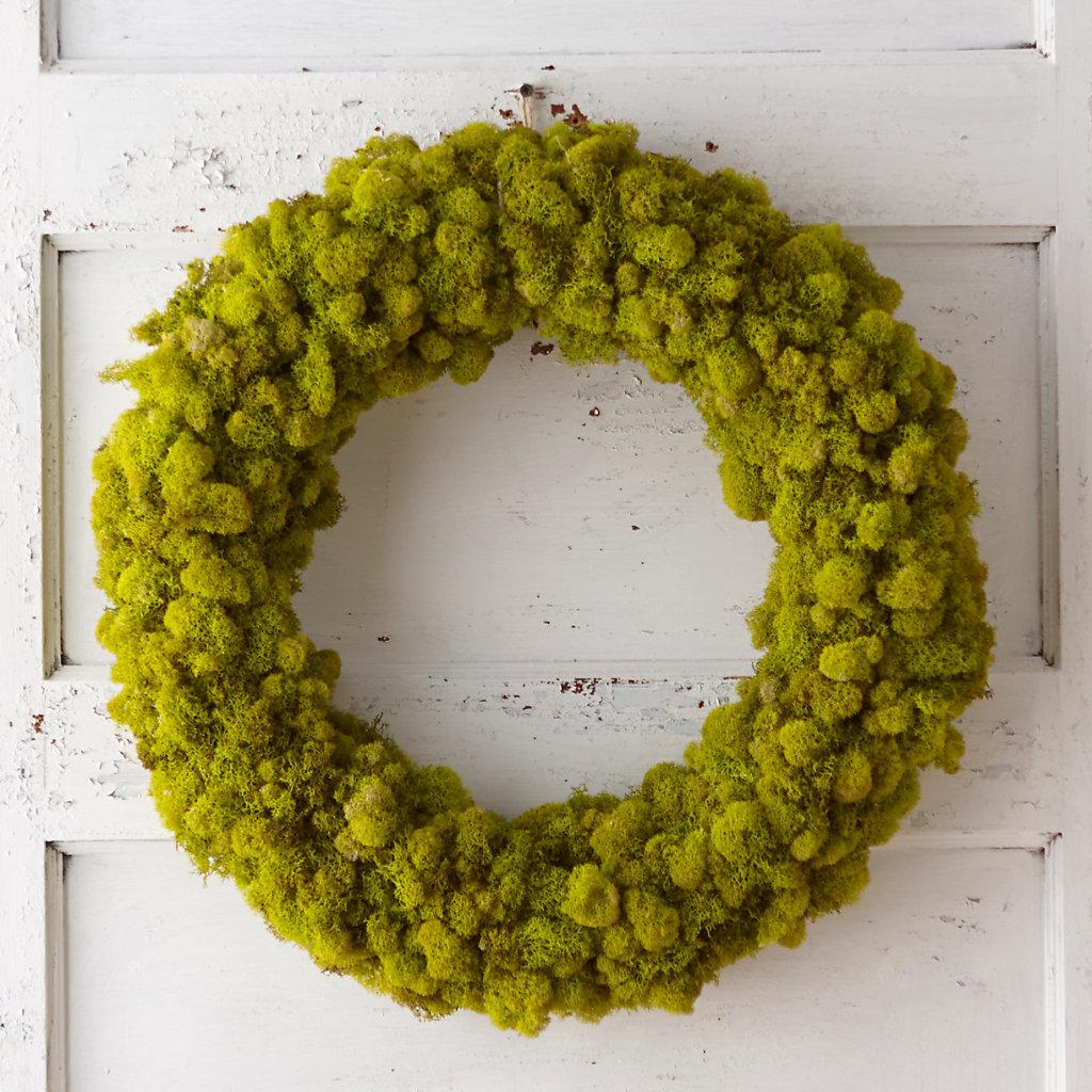 Gift Idea for Flower Lovers: Reindeer Moss Wreath.