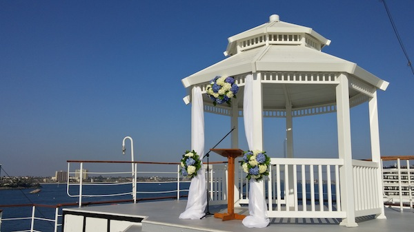 Flowers in blue and white are perfect accents for a nautical wedding on the Queen Mary by Flower Duet