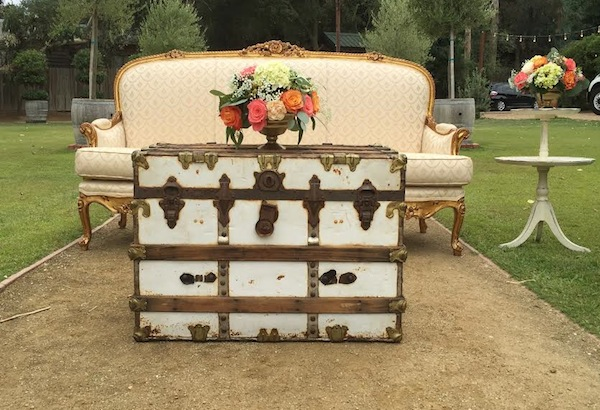 Settee Flowers by Flower Duet for fall wedding.