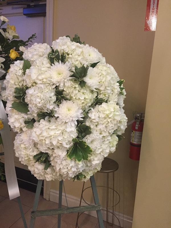 winter-memorial-flowers