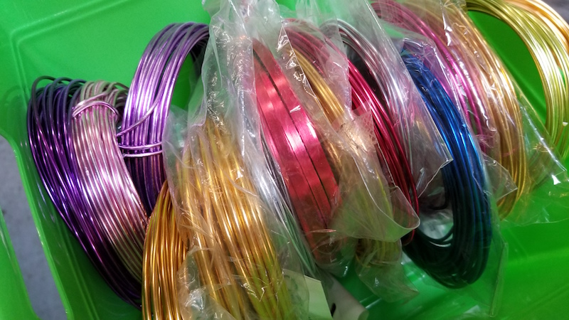 Flower Duet's selection of wire for cardette holders