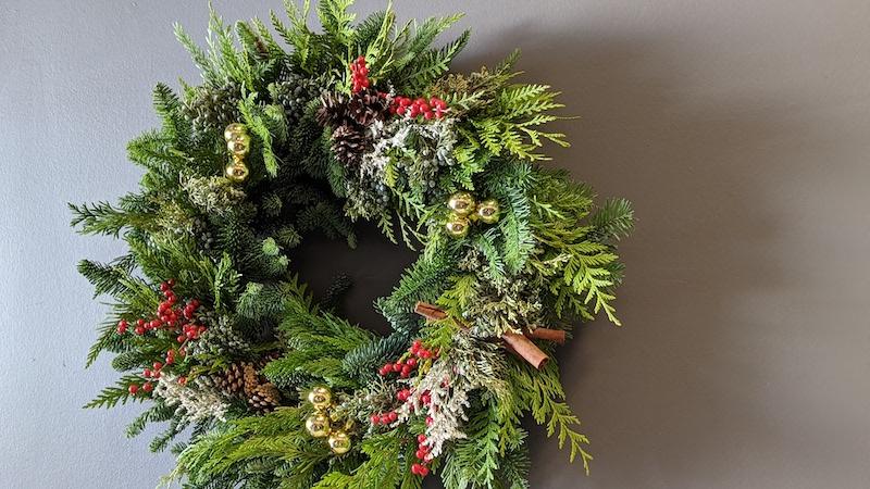 Flower Duet Christmas Evergreen Wreath Class