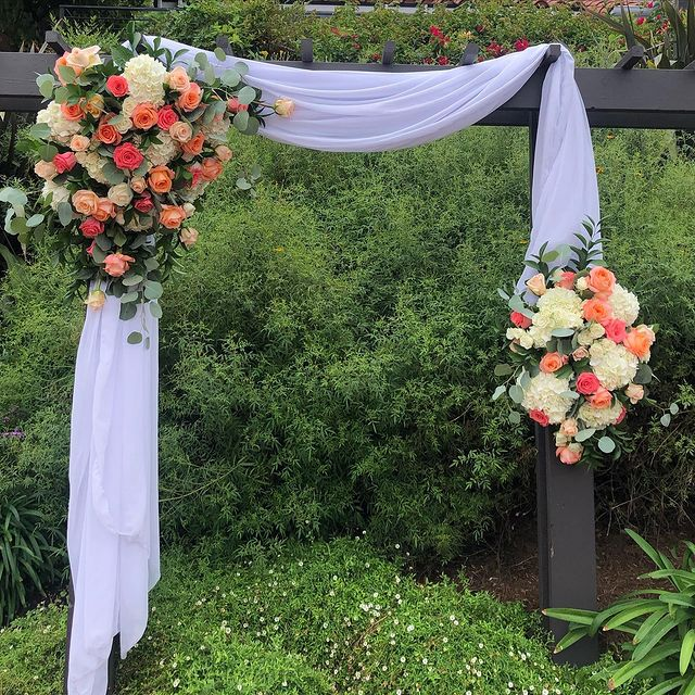 Backyard Wedding by Flower Duet