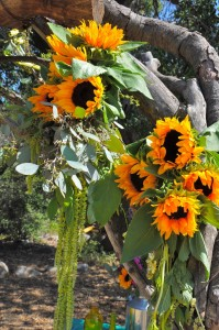 flowerduet-ranch-sunflower-arch-details
