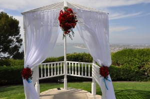 flowerduet-red-arch