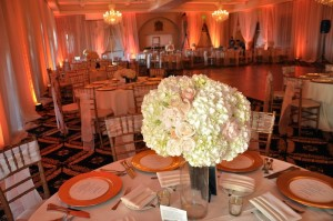 flowerduet-blush-trump-centerpiece