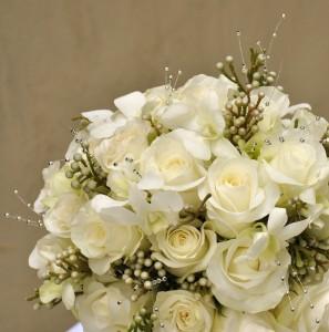 White-Silver-Bridal-Bouquet