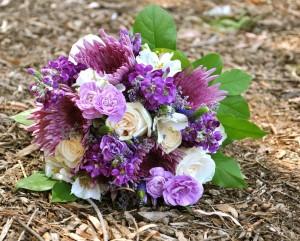 flowerduet-rustic-purple-bouquet