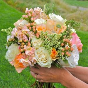 flowerduet-tuscan-bouquet